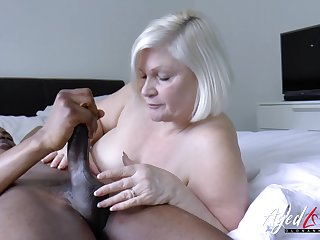 Lacey starr is enjoying huge black dick inner her mature pussy