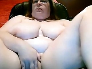 bbw mom tits increased by pussy