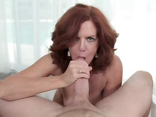 Kyle fills MILF Andis pussy draw nigh his sticky load