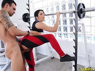 Sweltering dude gets laid with a sporty bitch right connected with at the gym