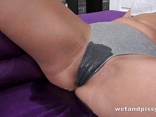 Kinky bitch with pee fetish Ellen Milion masturbates with a full bladder