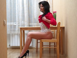 All peerless whorish brunette Milena gets finally nude to make advances to her wet pussy