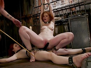 Censorious redhead slut Violet Monroe poked by say no to one best entourage